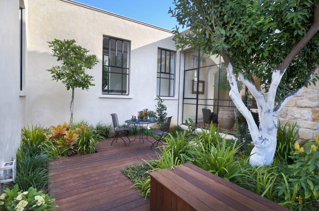 Beau jardin et terrasse