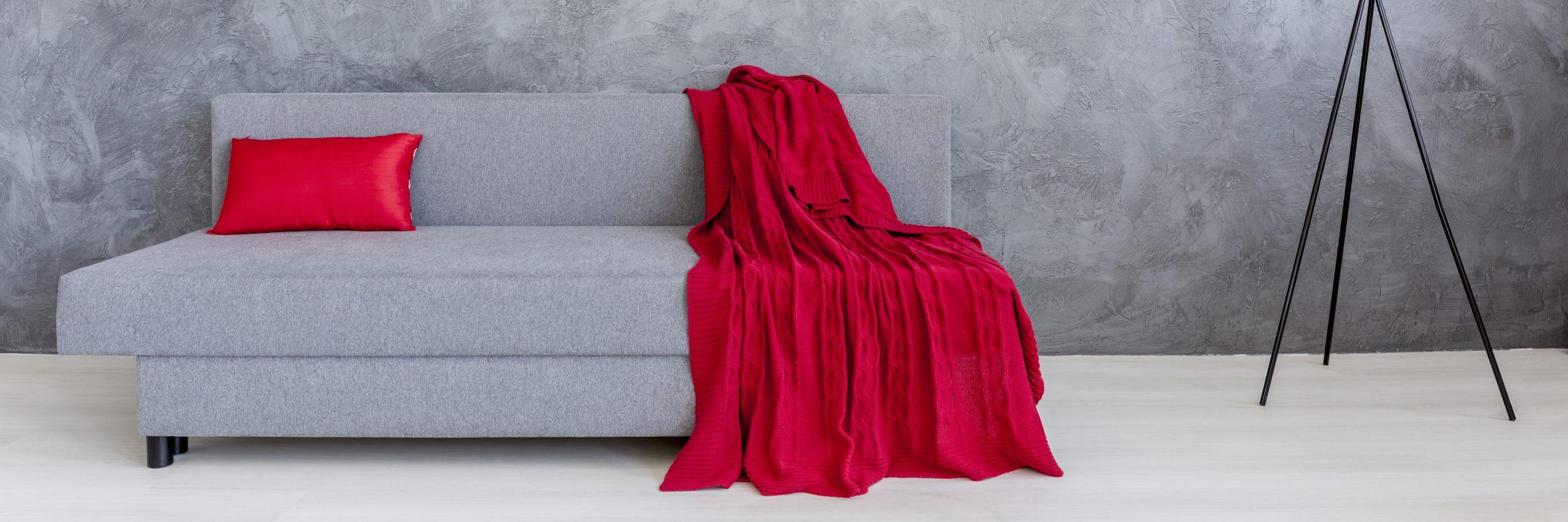 Les 3 meilleures housses de canapé – comparatif et avis